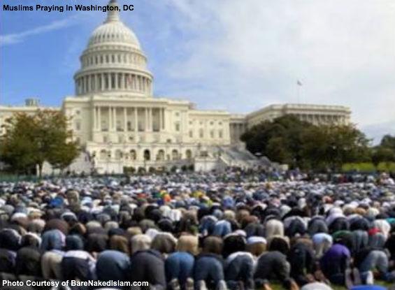 Muslims praying in DC
